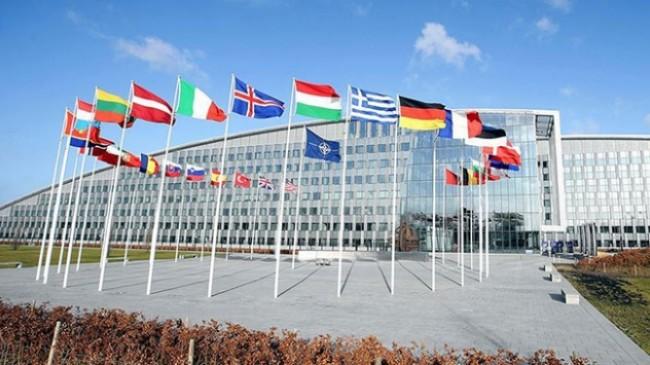 NATO, Türkiye'ye destek mesajına, Yunanistan'ın mülteciler ile ilgili bir madde eklenmesi talebini kabul etmedi.