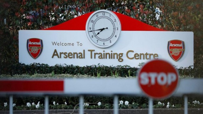 Arsenal oyuncuları tesislerde idmanlara başladı