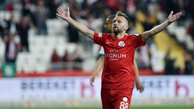 Hakan Özmert: Hayalim Antalyaspor formasıyla Avrupa kupasında mücadele etmek
